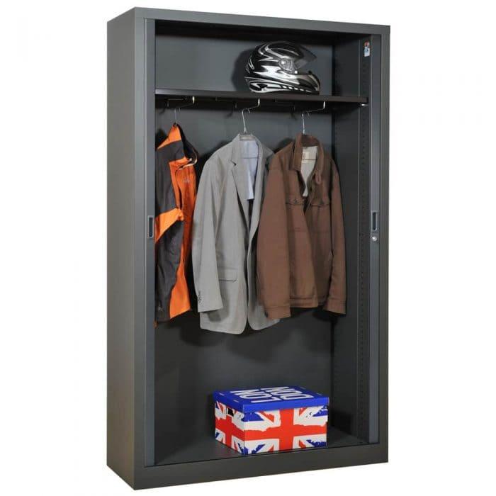 une armoire m tallique pour votre chambre armoire plus. Black Bedroom Furniture Sets. Home Design Ideas