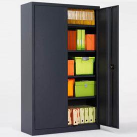 Une armoire haute à portes battantes de coloris anthracite