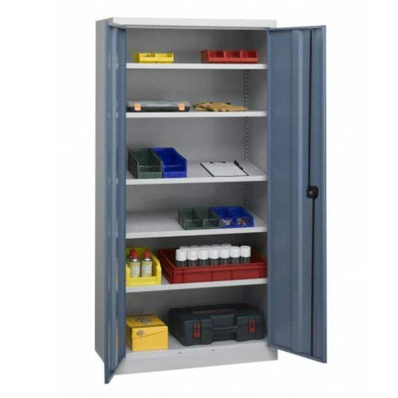 L'armoire d'atelier à étagères inclinées