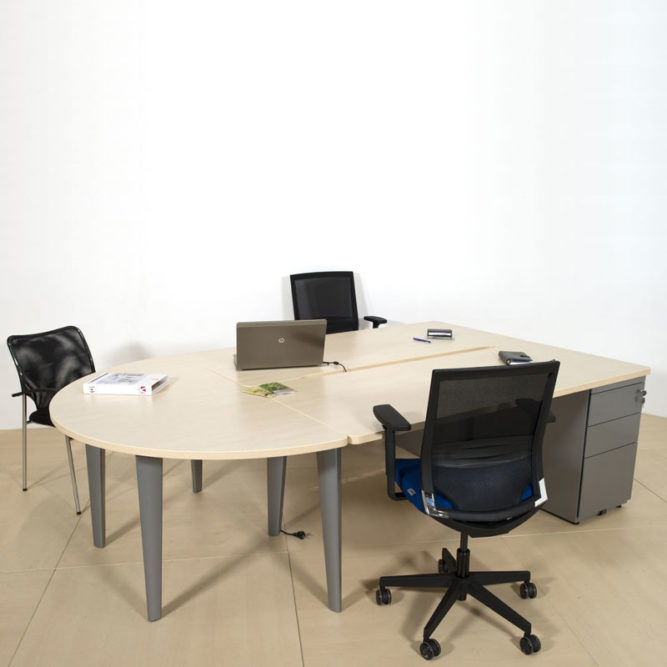 ensemble de 2 bureaux droits avec caisson porteur et convivialit ligne l gance armoire plus. Black Bedroom Furniture Sets. Home Design Ideas